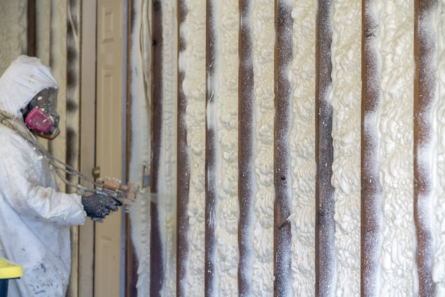 Installing Residential Spray Foam Insulation in Chattanooga TN